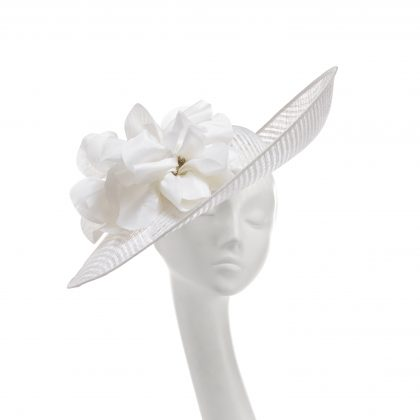 Nerida Fraiman - Sweeping mesh siname Ascot statement picture hat with soft poppy detail