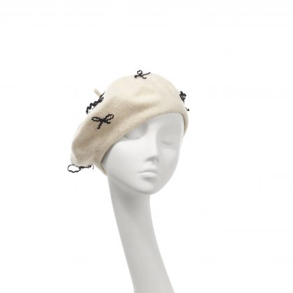Nerida Fraiman - Pure wool beret in cream with hand sewn bow details