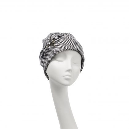 Nerida Fraiman - Pure wool houndstooth beanie with dragonfly brooch detail