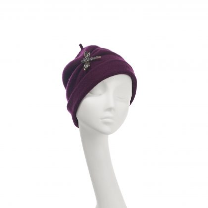 Nerida Fraiman - Pure wool gathered beanie in burgundy with dragonfly brooch detail
