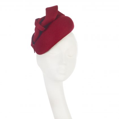 Nerida Fraiman - Asymmetric wool felt blocked beret in lipstick with twist detail