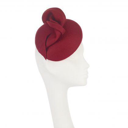 Nerida Fraiman - Asymmetric wool felt blocked beret in lipstick with twist detail